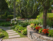 stock-photo-13396369-garden-wall